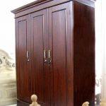 lemari pakaian besar 3 pintu kayu jati minimalis
