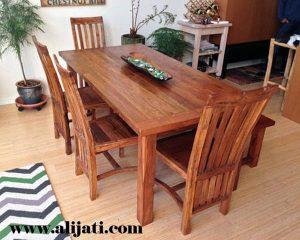 Meja Makan Rumah Minimalis 4 Kursi Kayu Jati