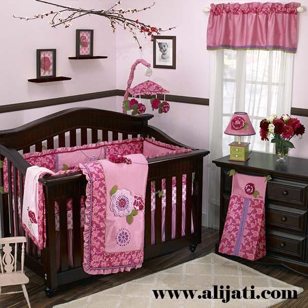 box bayi warna coklat kayu jati modern