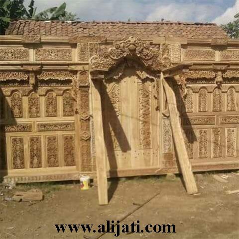 gebyok pintu besar kayu jati ukir ramayana baru