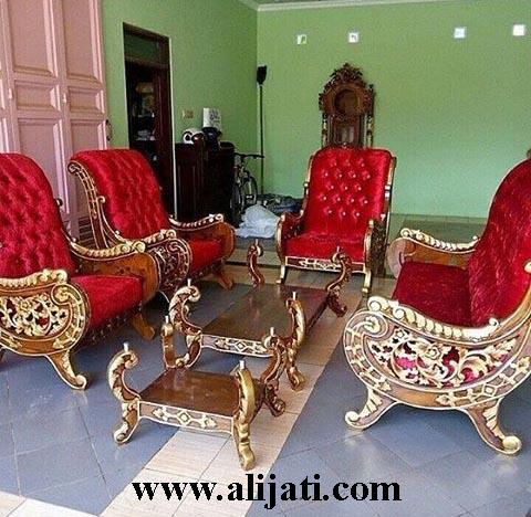 sofa tamu jok bludru warna merah