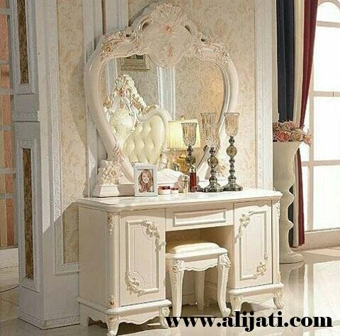 meja rias mewah desain terbaru