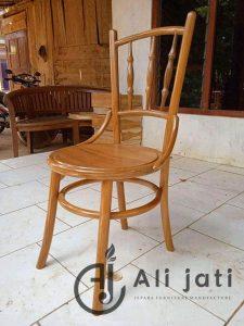 Kursi Cafe Kayu Jati Klasik Cat Natural
